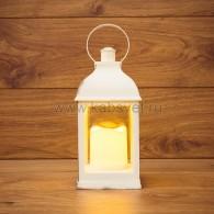 513-054 Декоративный фонарь со свечкой, белый корпус, размер 10.5х10.5х22,35 см, цвет ТЕПЛЫЙ БЕЛЫЙ c М8 - 10%